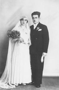 Apraham Kasapyan ve Öjeni Kelebekyan, İstanbul, 1933.